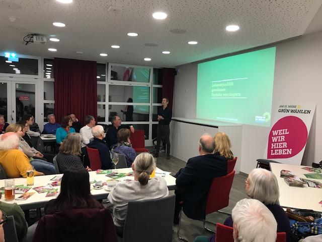 """Volles Haus beim Info-Abend zum Thema """"Lebensqualität steigern, Verkehr verringern"""""""
